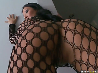 Incredible oriental Asa Akira shows Keiran Lee outstanding show