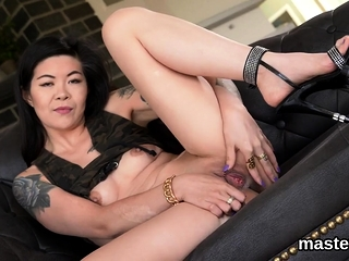 Spicy czech main stretches her pink vagina to the bi57cne